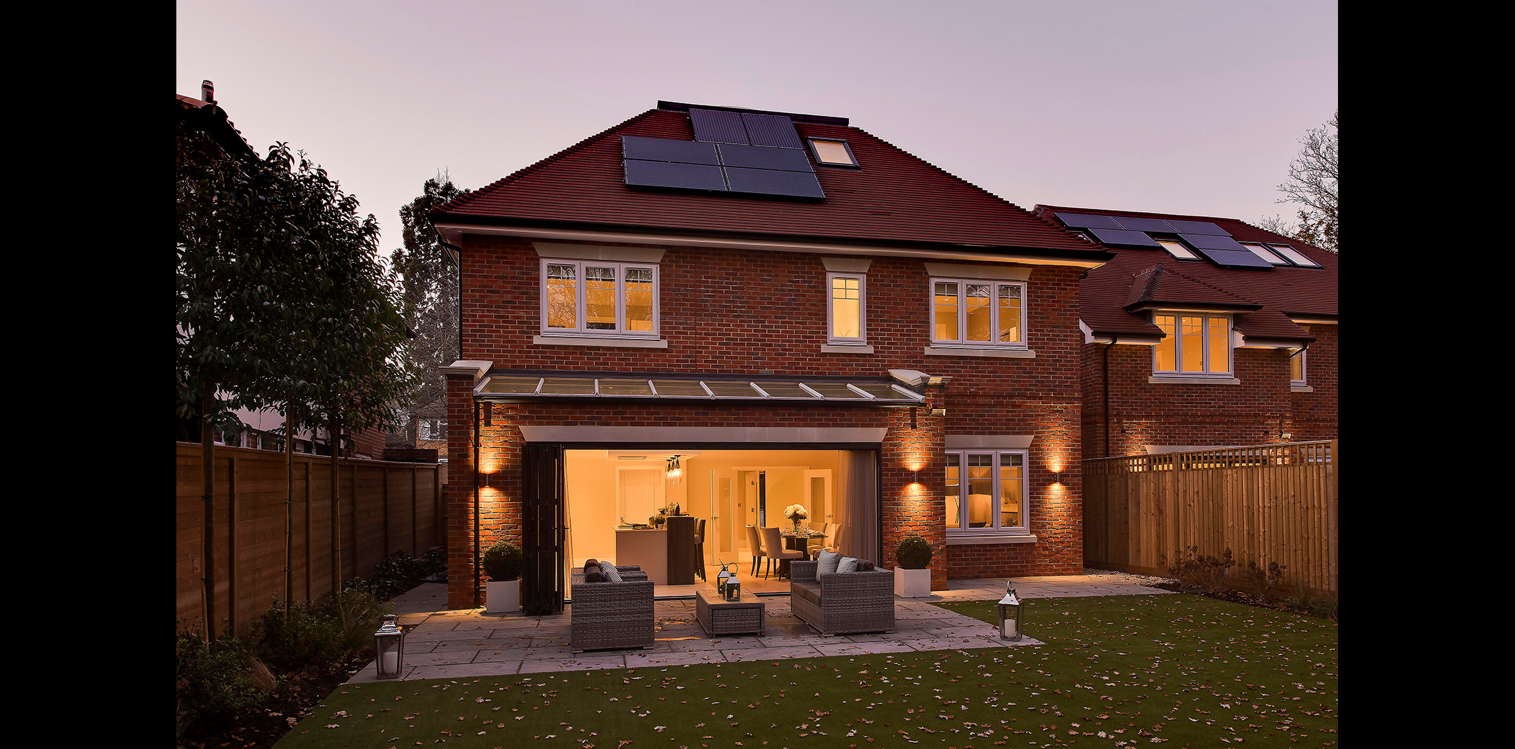 concept-developments-henley-drive-coombe-hill-dusk-1