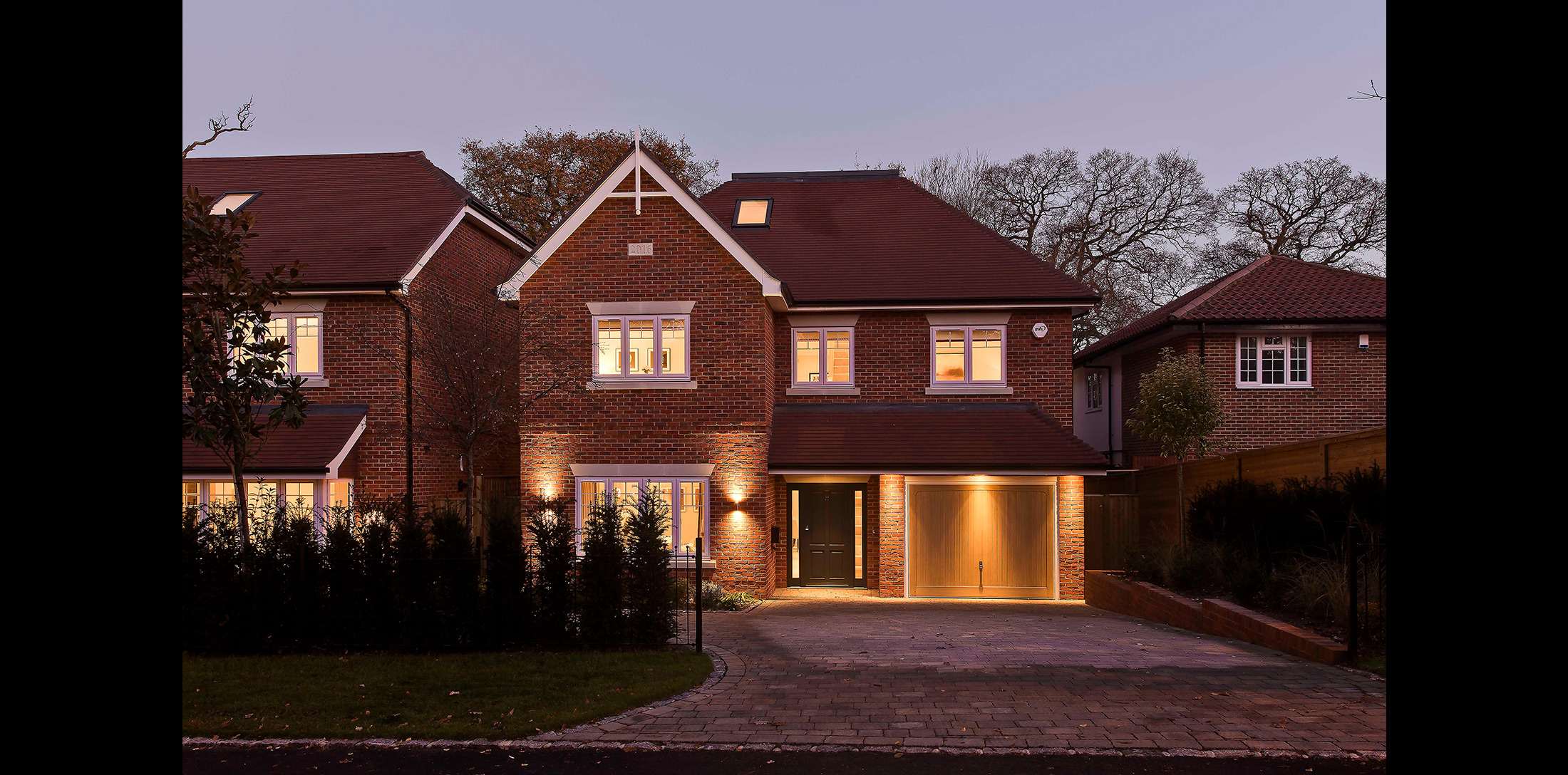 concept-developments-henley-drive-coombe-hill-dusk-2