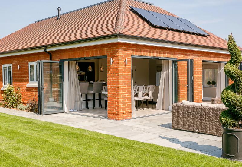 concept-development-property-belmont-court-gallery-bungalow-bifold-doors