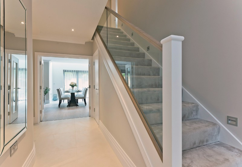 concept-developments-gallery-hall-stairs-glass-bannister