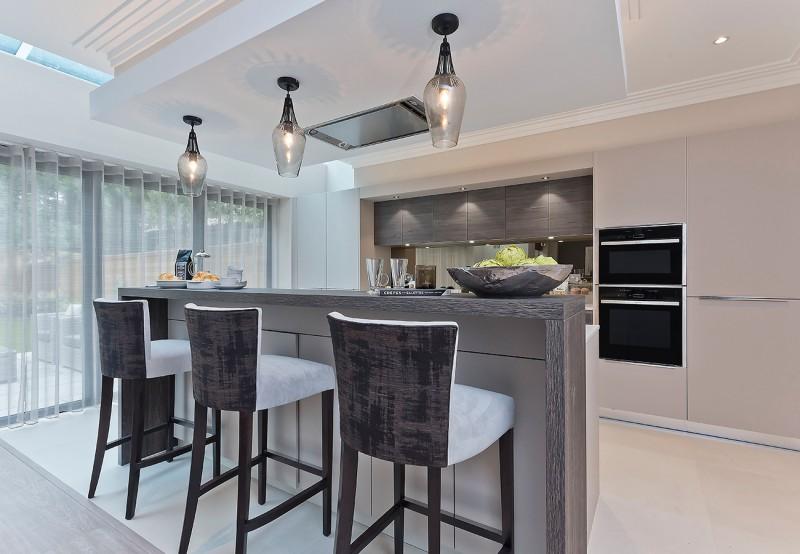 concept-developments-gallery-kitchen-breakfast-bar-island-pendants
