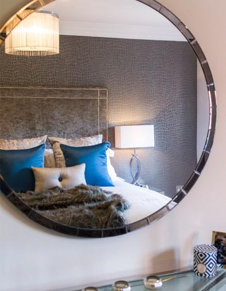 concept-developments-gallery-round-mirror-bedroom